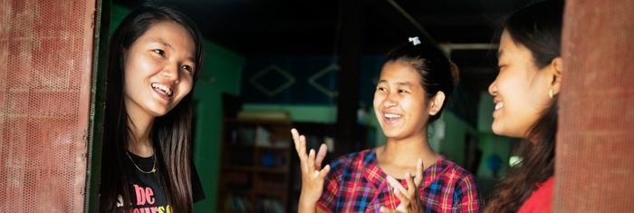 Organisationen Women's Galaxy arbetar för kvinnors rättigheter i Burma. Foto: Sara Kollberg