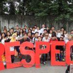 Demonstrater från filippinska Sentros ungdomsråd kräver respekt.