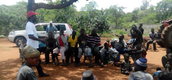 Lantarebtarfacket i Zimbabwe värvar med nya bilen