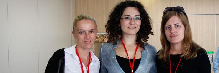 Från vänster: randa Baci, Elena Polo, Greta kokalari. Foto: Palmecentret