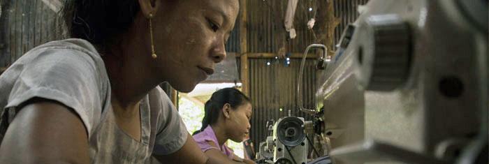 Burmesiska textilarbetare i Mae Sot i Thailand